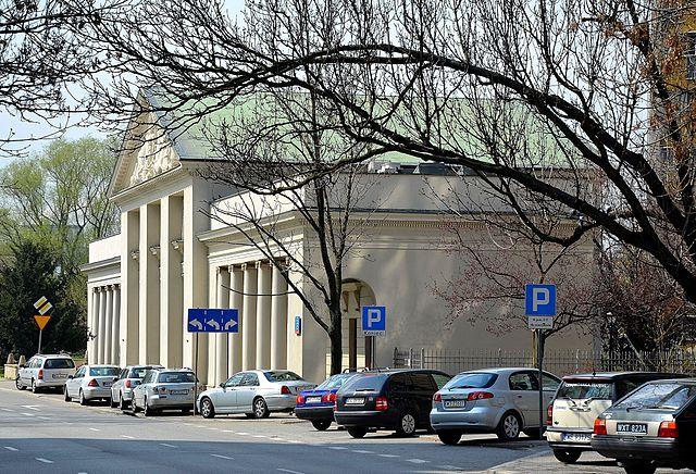 NIEZNANA-WARSZAWSKA-PRAGA-Nadwislanskie-poczatki-Zabytkowa-Komora-Wodna-14448035421044