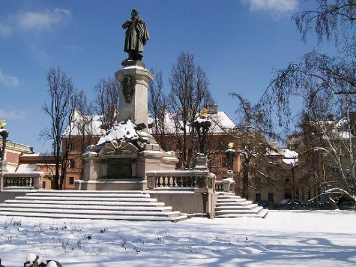 4838-pomnik-adama-mickiewicza-w-warszawie-5