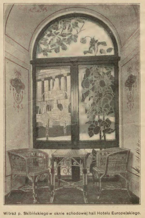 Hotel Europejski. Witraż w oknie klatki schodowej. Zdjęcie z zasobów Mazowieckiej Biblioteki Cyfrowej