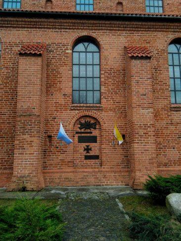 Kościół św.Rocha w Brochowie. Upamiętnienia II wojny światowej. Foto: Liliana Kołłątaj