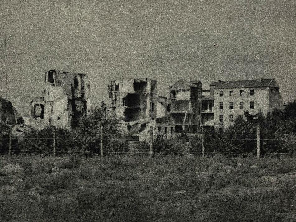 Ruiny Twierdzy Zmartwychwstanek. Powstanie Warszawskie
