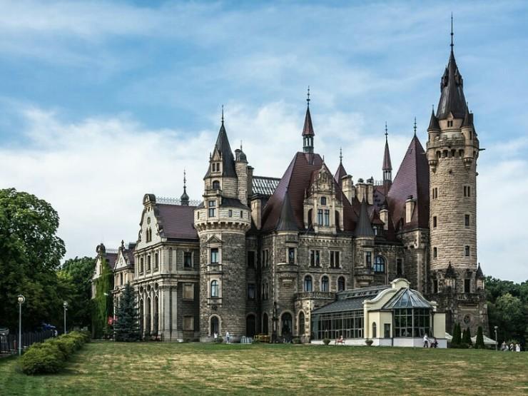 pałac moszna_-_wschodnie_skrzydło