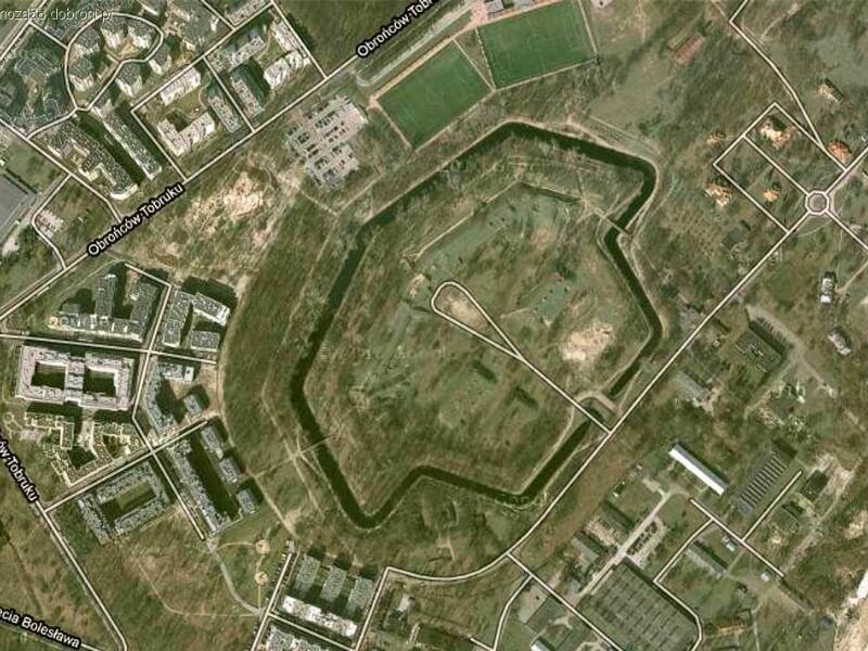 FORT BEMA WSPÓŁCZEŚNIE. Zdjęcie satelitarne.