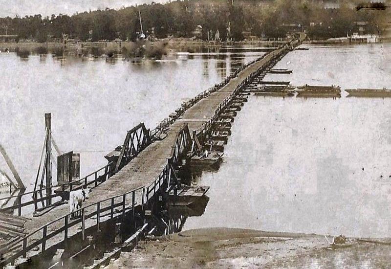 Arkansas River Pontoon Bridge - most łyżwowy