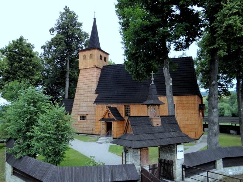 Łopuszna, kościół Przenajświętszej Trójcy