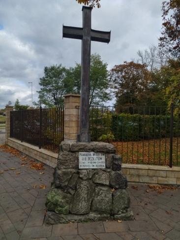 Krzyż przy kościele św. Jozafata